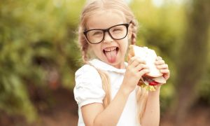 Improve Kids' Nutrition With Incentives