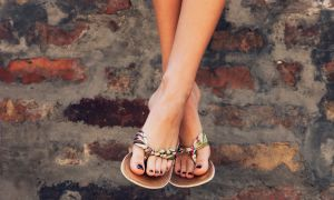 """Are Your """"Comfortable"""" Spring Shoes Causing Foot Pain?"""