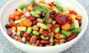 Anti-Inflammatory Recipe: Edamame, Cannellini and Pepper Salad