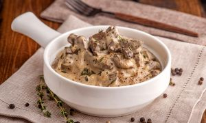 The Insider's Guide to Healthy Hawaii: An Easy Beef Stroganoff Recipe for Valentine's Day