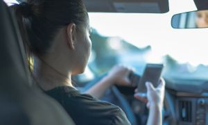 Ask Oz and Roizen: Distracted Driving and Dementia Related to Gum Disease
