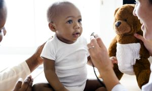 9 Ways to Keep Your Baby Calm at The Doctor