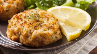 Diabetes-Friendly Recipe: Traditional Lump Crab Cakes