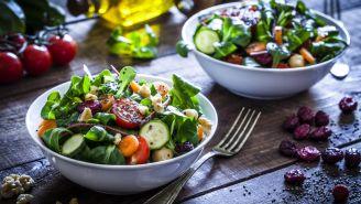 6 Best Picks and Skips at the Salad Bar