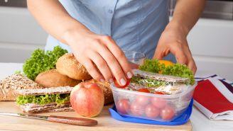6 Tasty Snacks Under 200 Calories