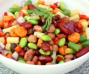 Anti-Inflammatory Recipe: Edamame, Cannellini and Pepper Salad