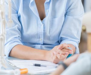 6 Tips for Finding a Rheumatologist to Treat RA