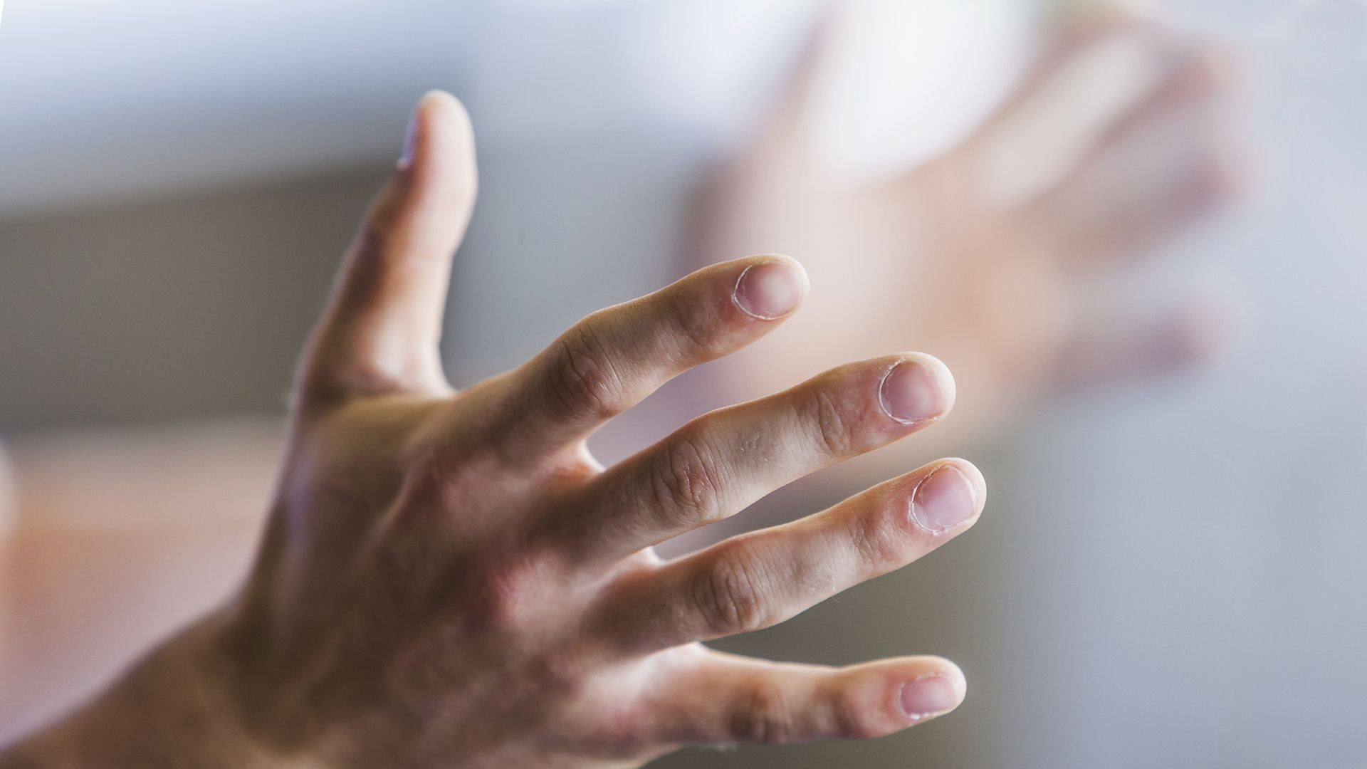 Why finger tips grow numb: causes and prevention 100