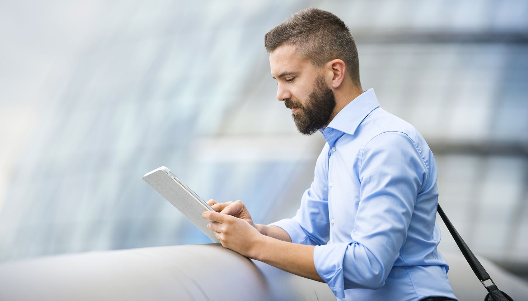 Tablets Linked to Shoulder and Neck Pain