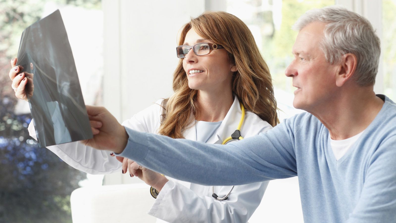 4 Ways to Slash Your Risk of Colon Cancer