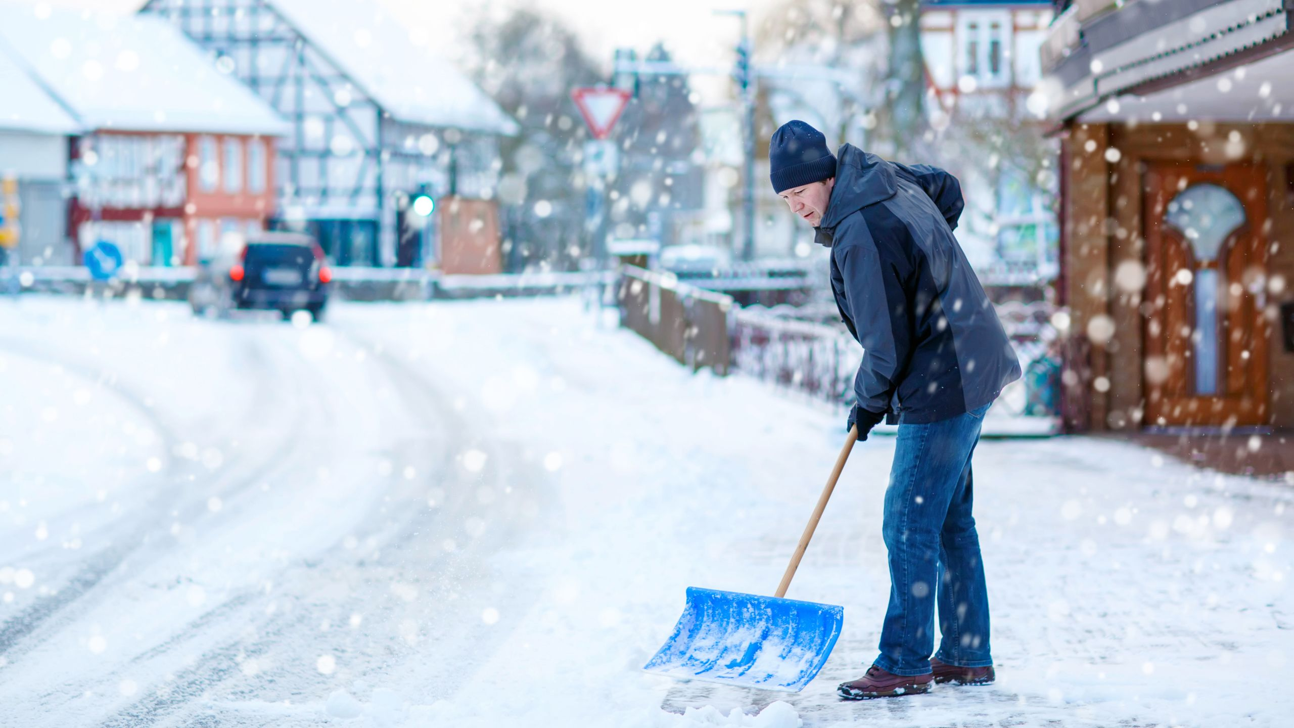 How to Prepare—and Stay Safe—in a Winter Storm