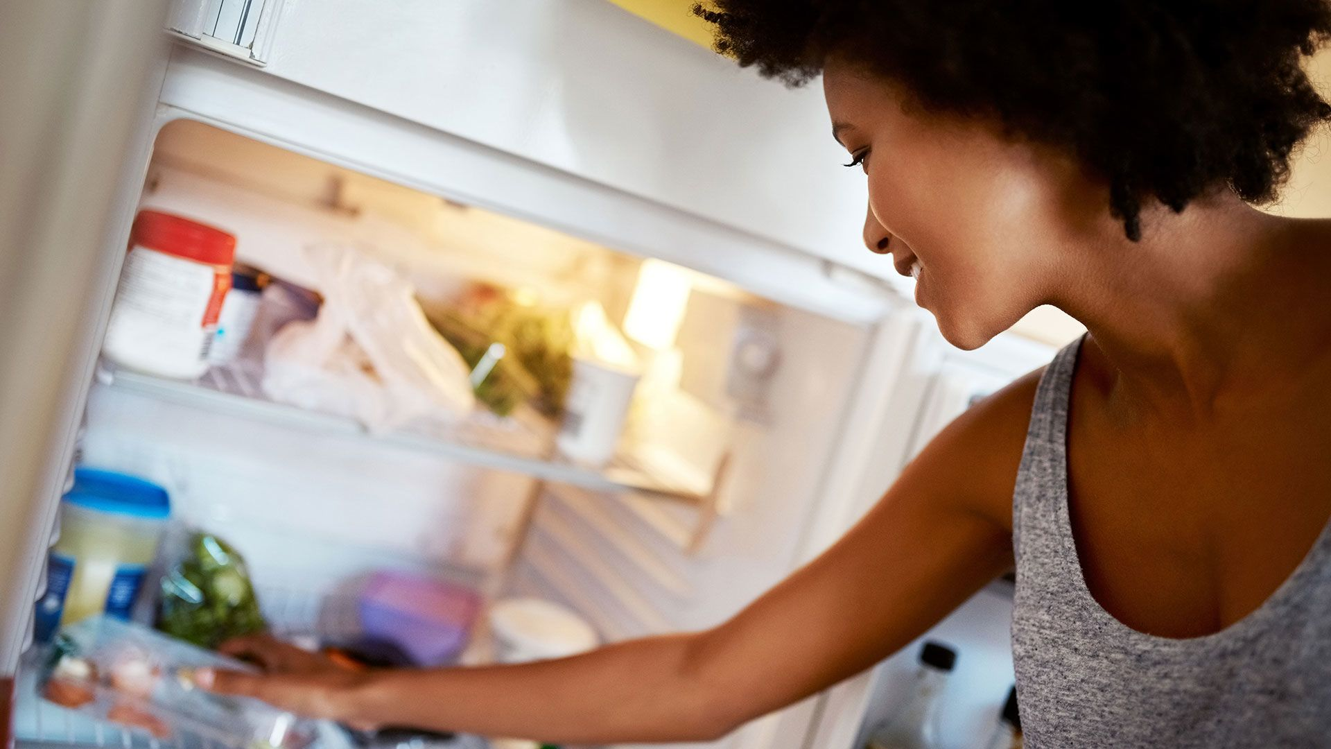 15 Foods Nutritionists Always Have in Their Fridge