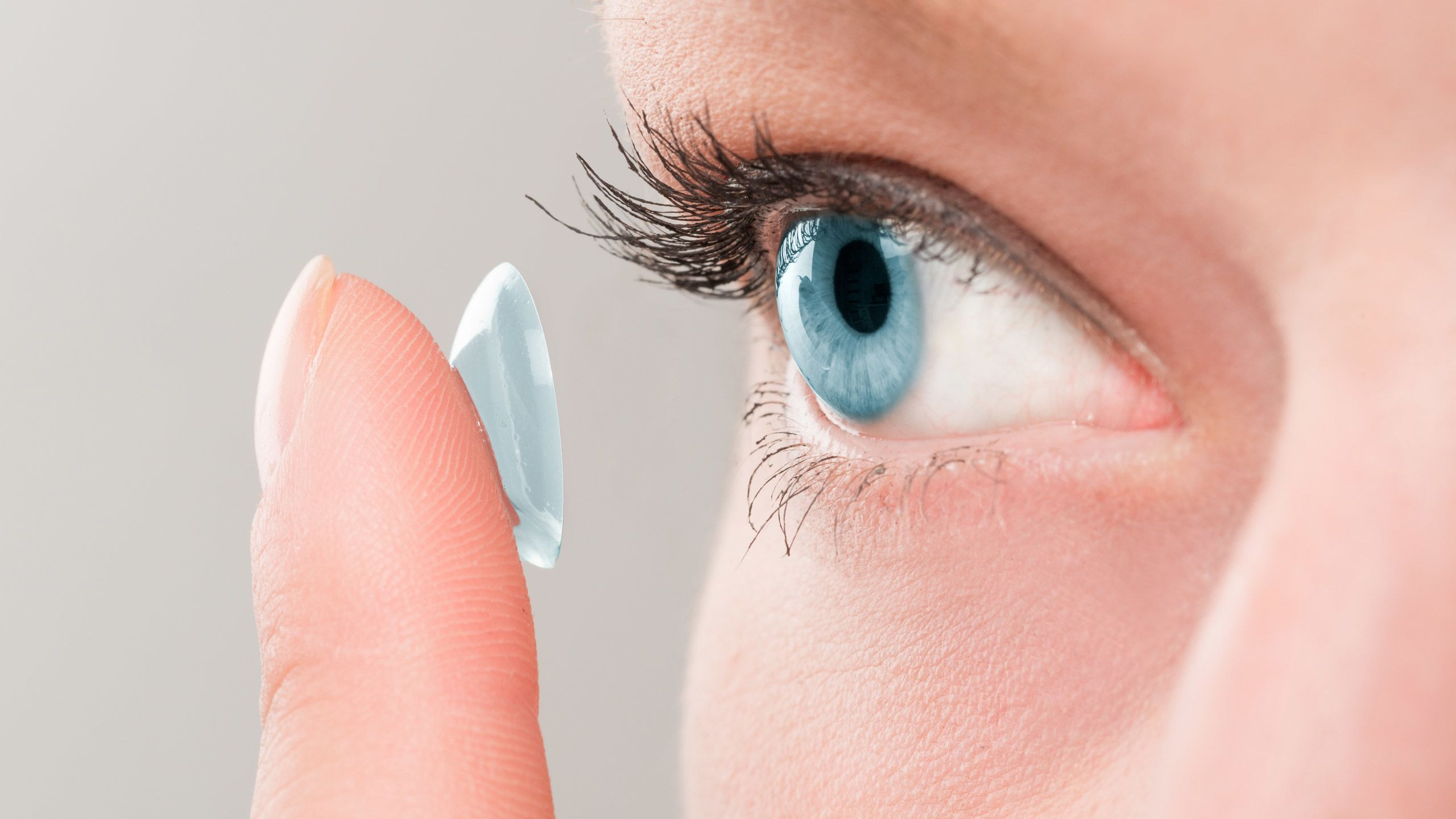6 Contact Lens Mistakes You're Probably Making—And How to Fix Them