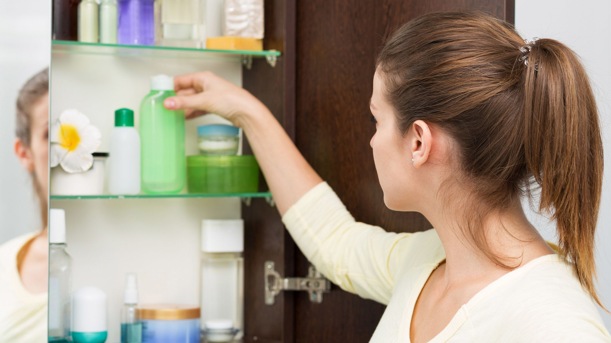 Top 10 Things Doctors Have in Their Medicine Cabinets