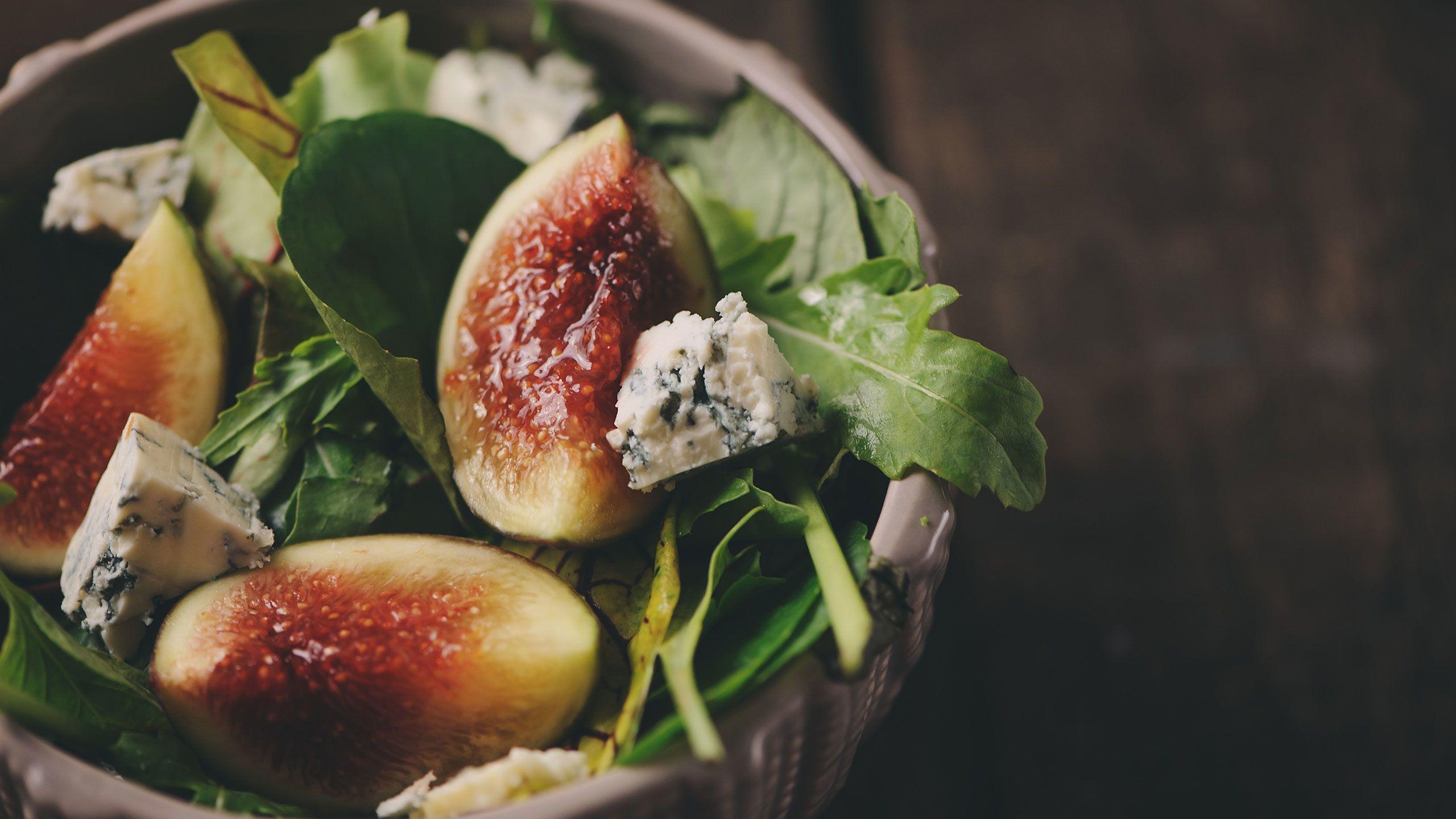 7 Warm Salad Recipes Under 500 Calories