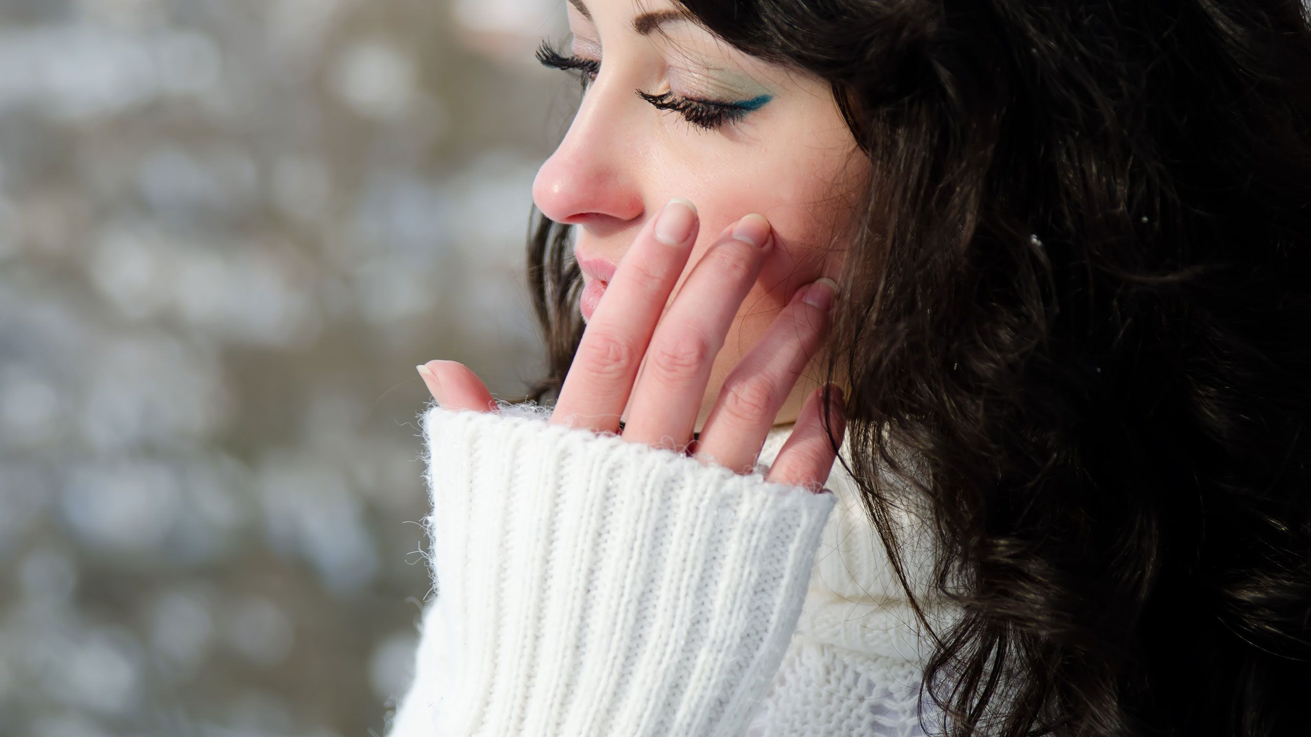 6 Ways to Prevent Eczema Flare-Ups This Winter