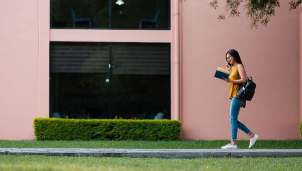 How Many Calories Can You Burn by Walking? - Sharecare