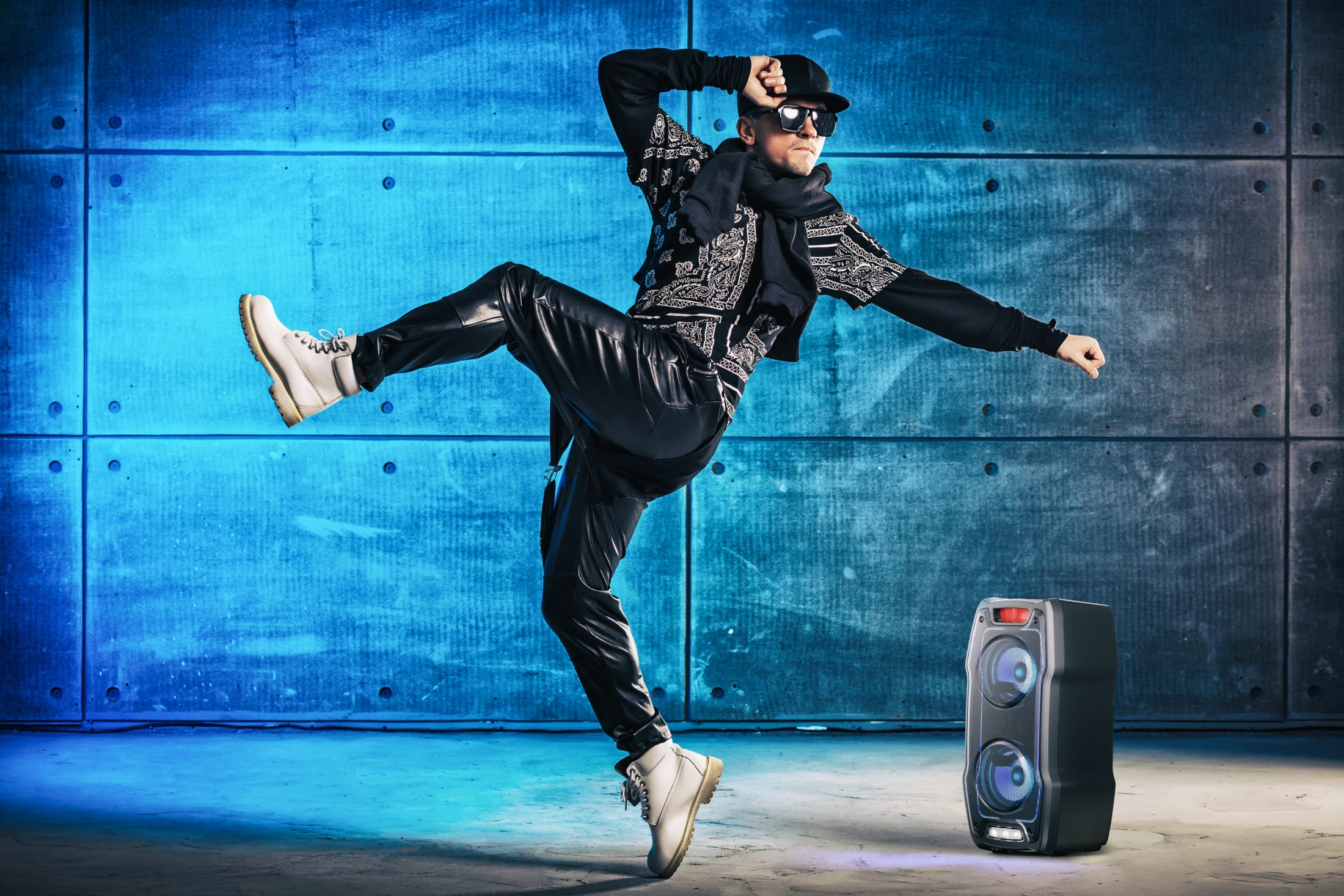 Party Speaker, 180 W, TWS to pair 2 units together, 13 h play time with built-in battery, LED flash light, Bluetooth wireless music streaming and and super bass effect.