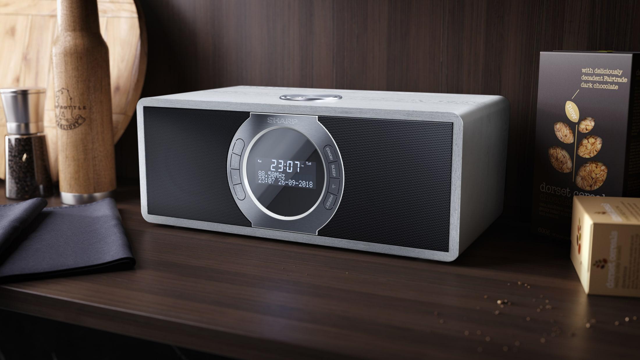 Stereo Digitalradio DAB/DAB+/FM with RDS, 30 W, Bluetooth 4.2 and 60 station memory.