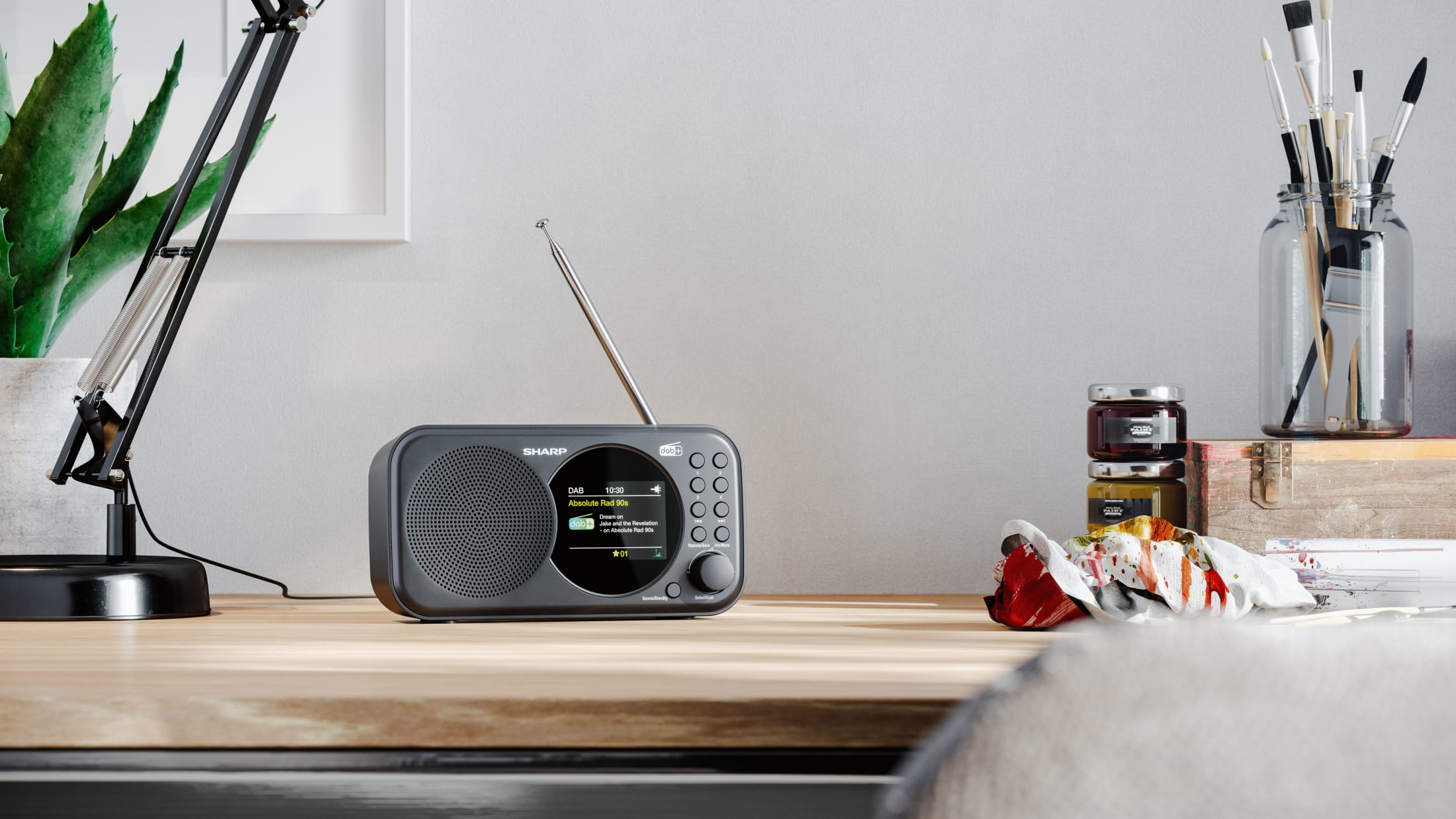 Portable Radio DAB/DAB+/FM with RDS, 1 W, LCD display and 20 pre-set stations.