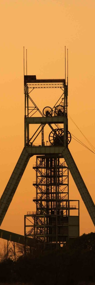 Mining head frame, mining tower
