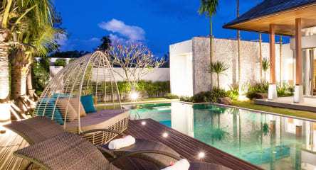 Luxury hotel in tropical location, Real Estate, Hospitality