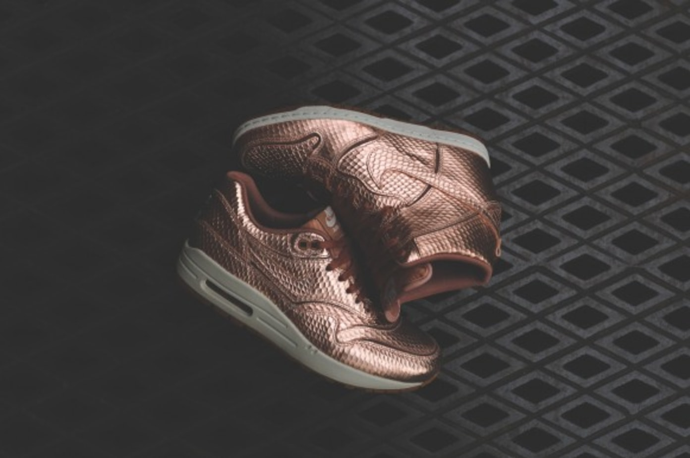 """Nike WMNS Cut Out """"Bronze Pack"""""""