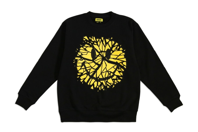 Chinatown Market Glass Smiley Crewneck  - default