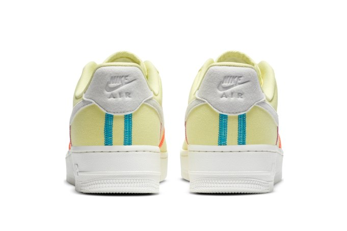 Nike WMNS Air Force 1  - default