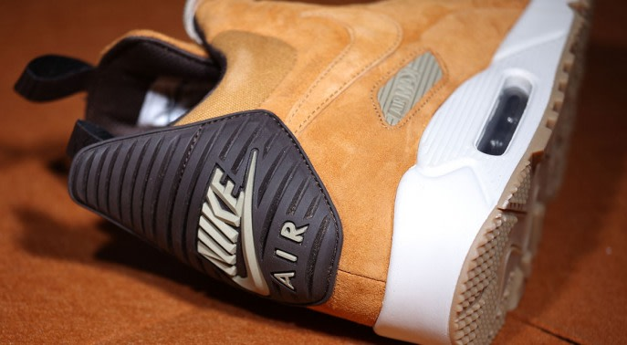 "Coming soon: Nike Air Max 90 ""Wheat"" Sneakerboot"