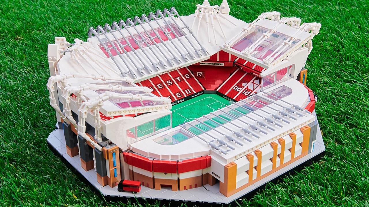 LEGO Remake Manchester United's Old Trafford Stadium
