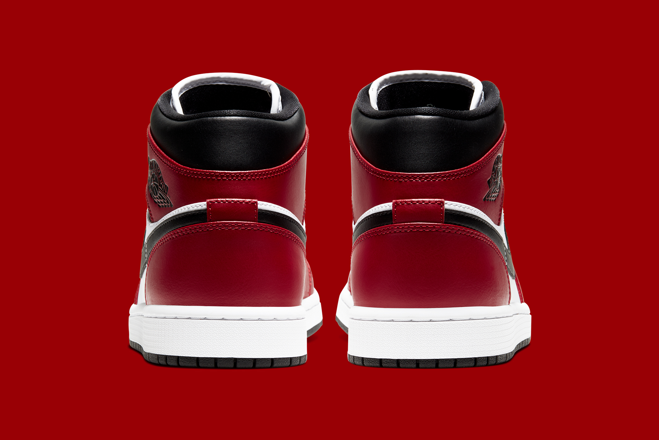 Air Jordan 1 Mid Chicago Black Toe Shelflife
