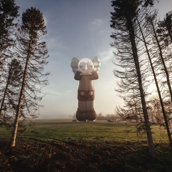 KAWS:Holiday Goes Airborne in the UK