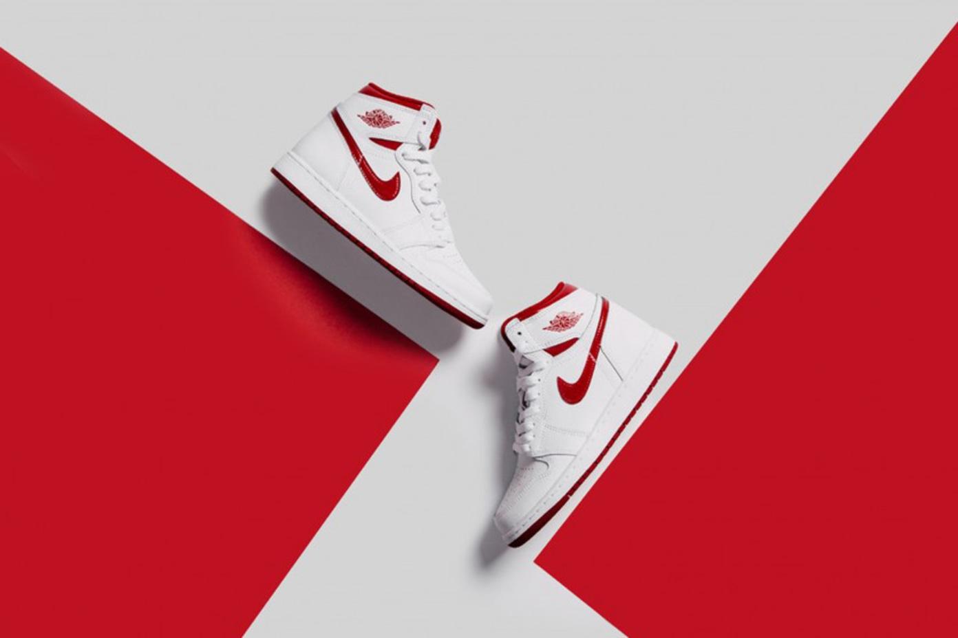 Nike Air Jordan 1 Retro High OG Metallic Red