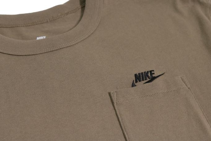 Nike Sportswear Premium Essentials Pocket Tee - default