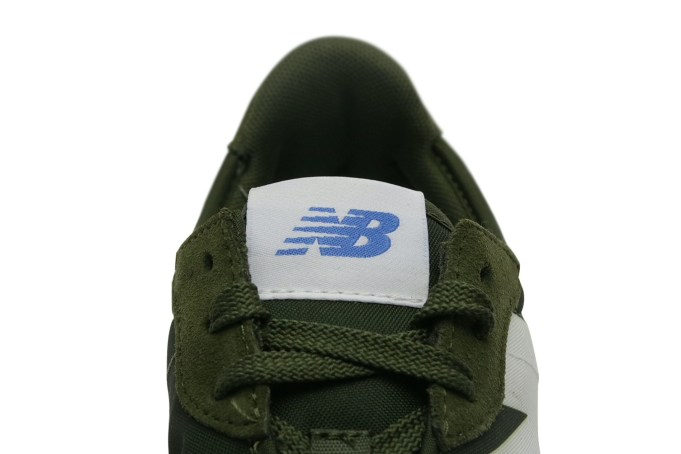 New Balance 327 - default