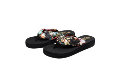 Buy this discounted product Desen Women's Floral Summer Satin Flip Flop Black 9 B(M) US on Amazon