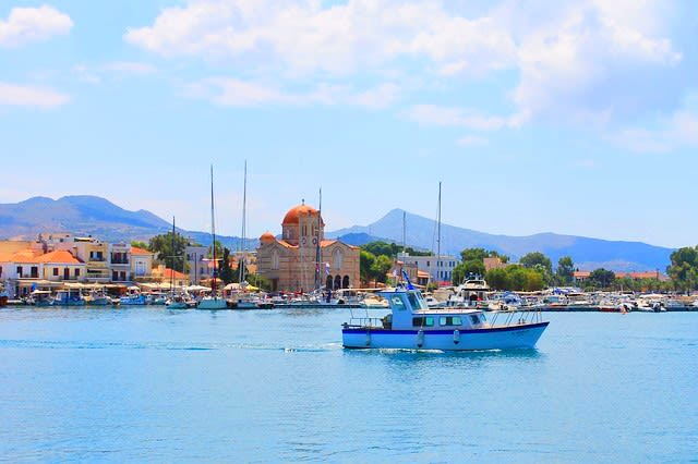 Discover the Saronic Islands from your couch. – Attica Region – Greece