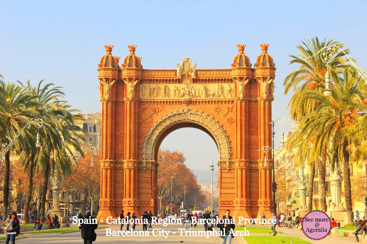 Spain-Catalonia-Region-Barcelona-Province-Barcelona-City-Triumphal-Arch