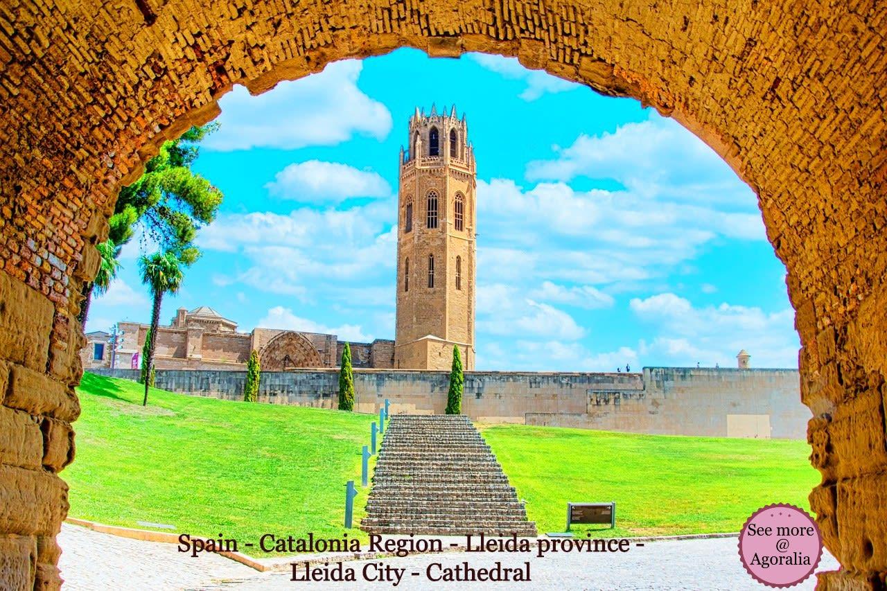 Spain-Catalonia-Region-Lleida-province-Lleida-City-Cathedral