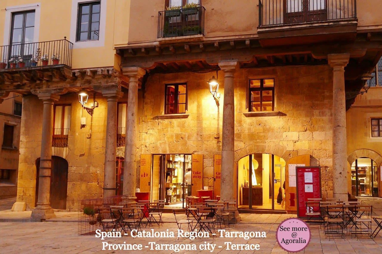 Spain-Catalonia-Region-Tarragona-Province-Tarragona-city-Terrace