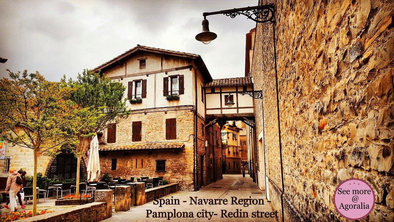 Spain-Navarre-Region-Pamplona-city-Redin-street