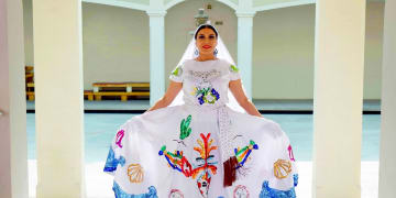 Agoralia-Mexico-Culture-Dress