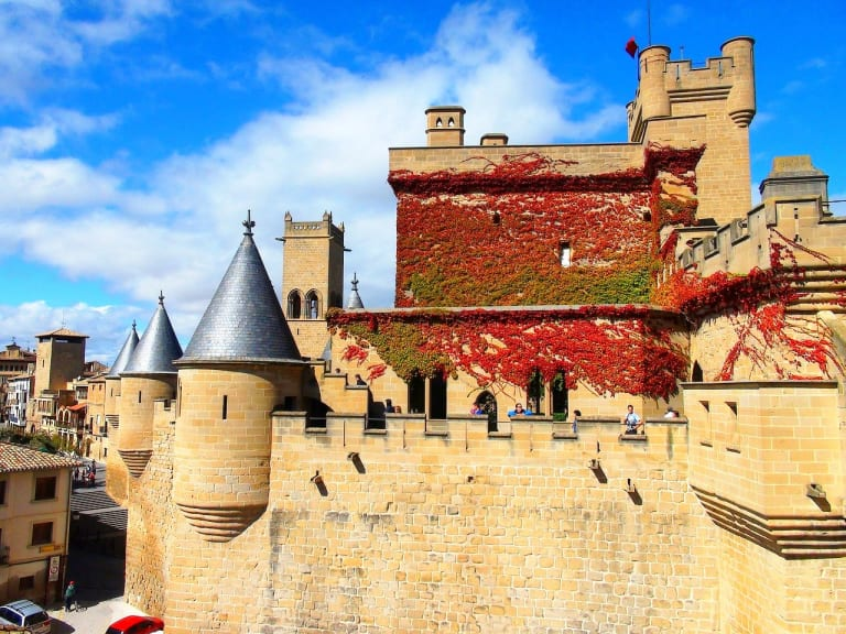 Spain-Navarre-Region-Olite-village-Castle