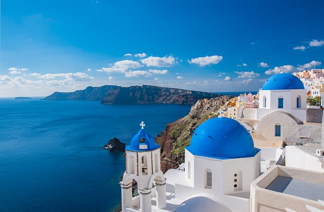 Explore the Museums of Santorini. The complete list.