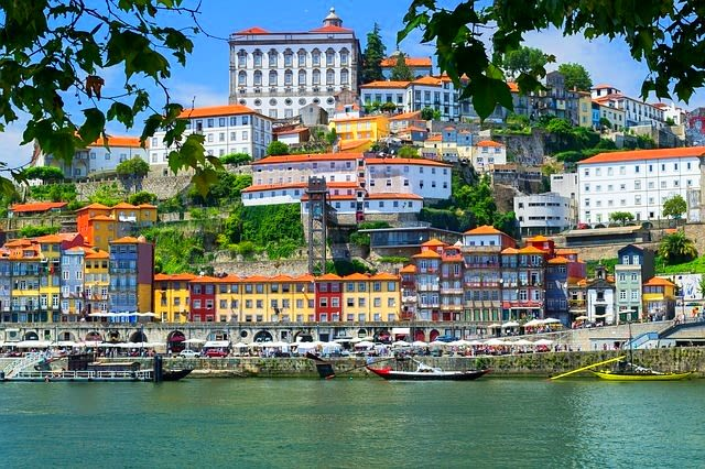 Travel and Discover Porto and the North Region from your couch. – Portugal