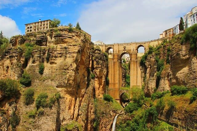 Travel and Discover Andalusia region from your couch. – Spain