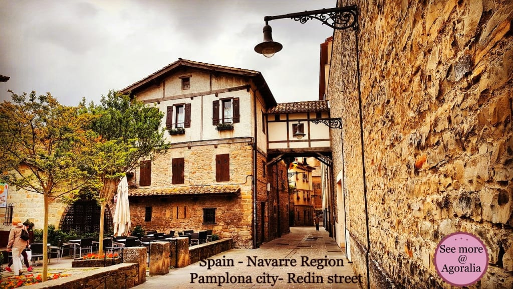 Spain-Navarre-Region-Pamplona-city-Redin-street