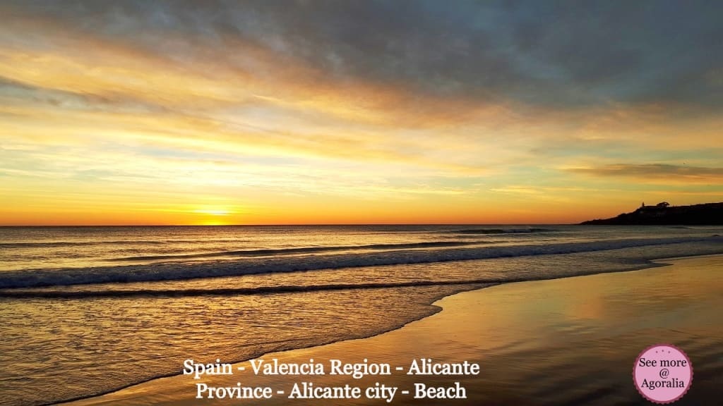 Spain-Valencia-Region-Alicante-Province-Alicante-city-Beach