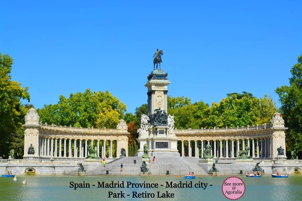 Spain-Madrid-Province-Madrid-city-Park-Retiro-Lake